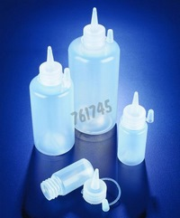 Dispensing bottle with spouted cap, LDPE - Dim. Ø x h (mm) : 60 x 174